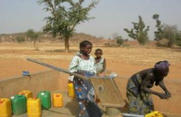 E36 – Advantages and disadvantages of hand pumps  How to select and